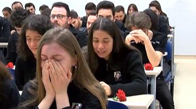 Sınıf arkadaşları Ceren'in en sevdiği müziği gözyaşları içinde söyledi